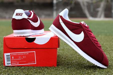 low priced 7407b 8eff5 Chaussures Nike Cortez Pas Cher