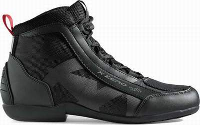 chaussures moto v quattro bottes moto route homme chaussures moto dafy. Black Bedroom Furniture Sets. Home Design Ideas